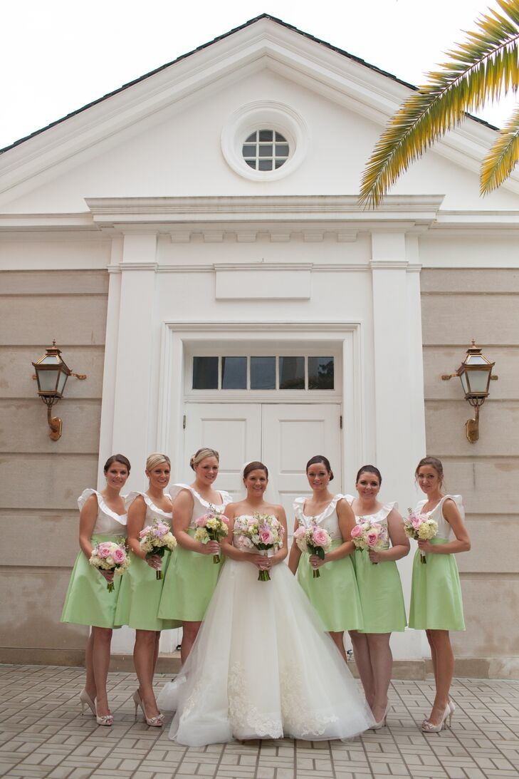 A romantic lilly pullitzer inspired wedding at pebble hill for Wedding dresses thomasville ga