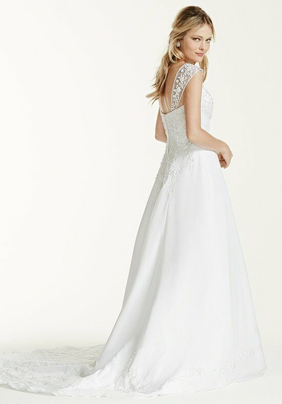 David's Bridal David's Bridal Collection Style V9010 Wedding Dress photo