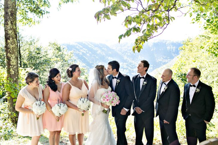 An Airy Wedding At Adventures On The Gorge In Lansing West Virginia