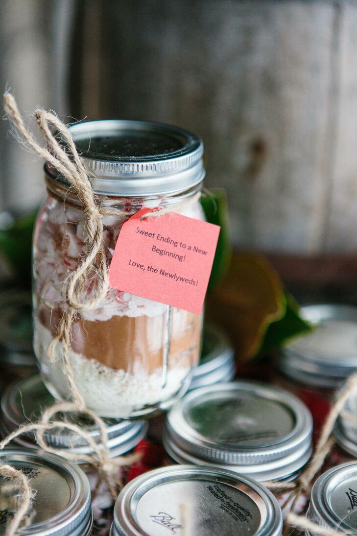 Diy Hot Chocolate In Mason Jar Wedding Favors