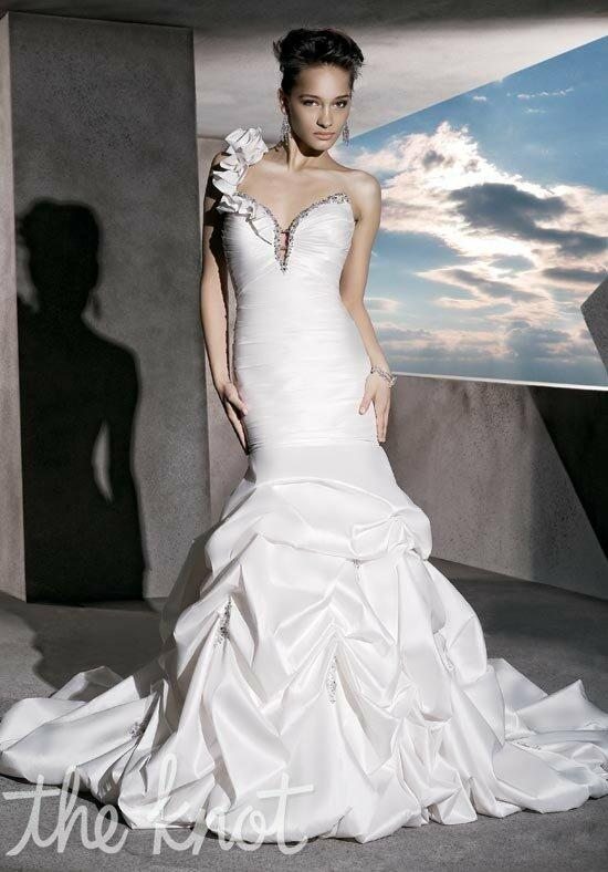 Demetrios GR222 Wedding Dress photo