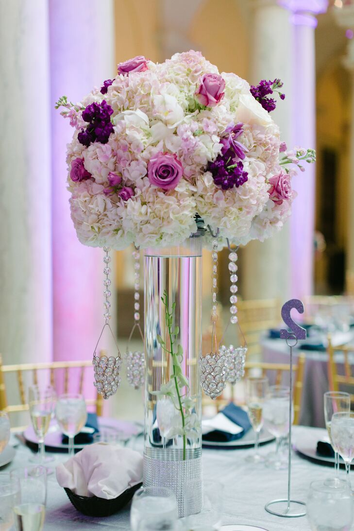 Modern Centerpieces With Hydrangeas And Roses