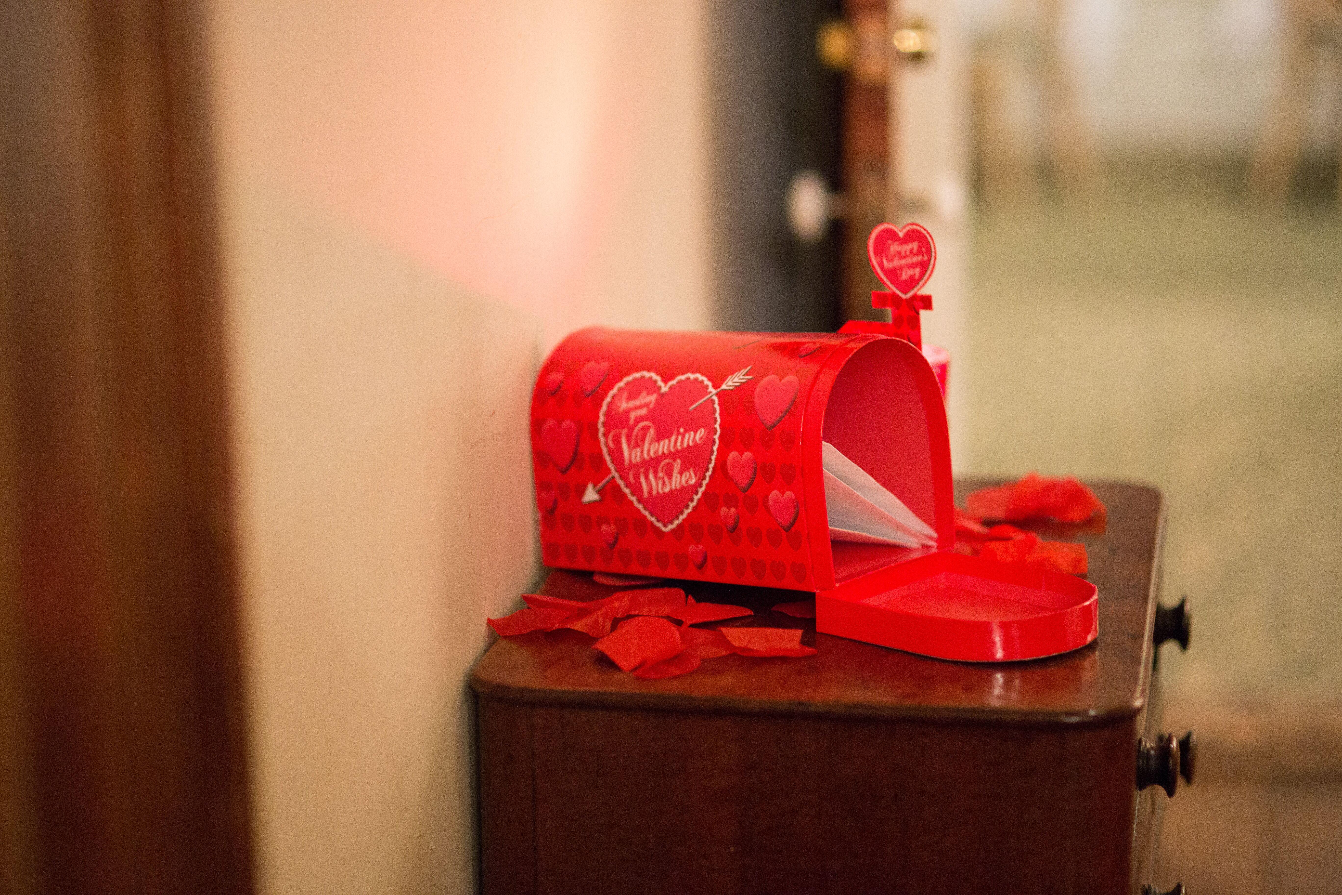 red heart mailbox card box