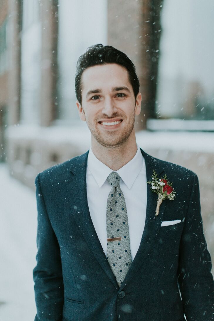 A Cozy Winter Wedding at Icon Lounge + Events in Sioux Falls, South ...