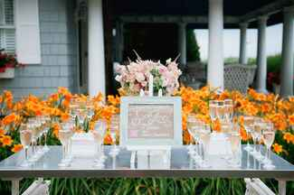 Champagne cocktail bar