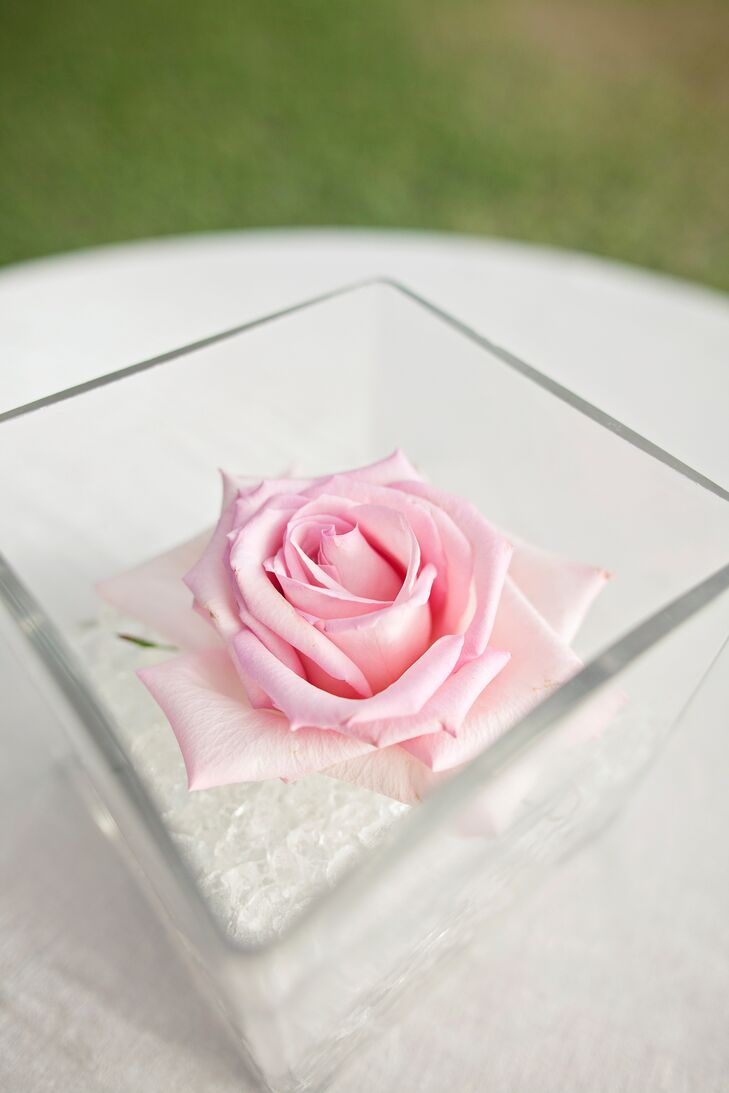 Single Pink Rose Cocktail Table Centerpiece