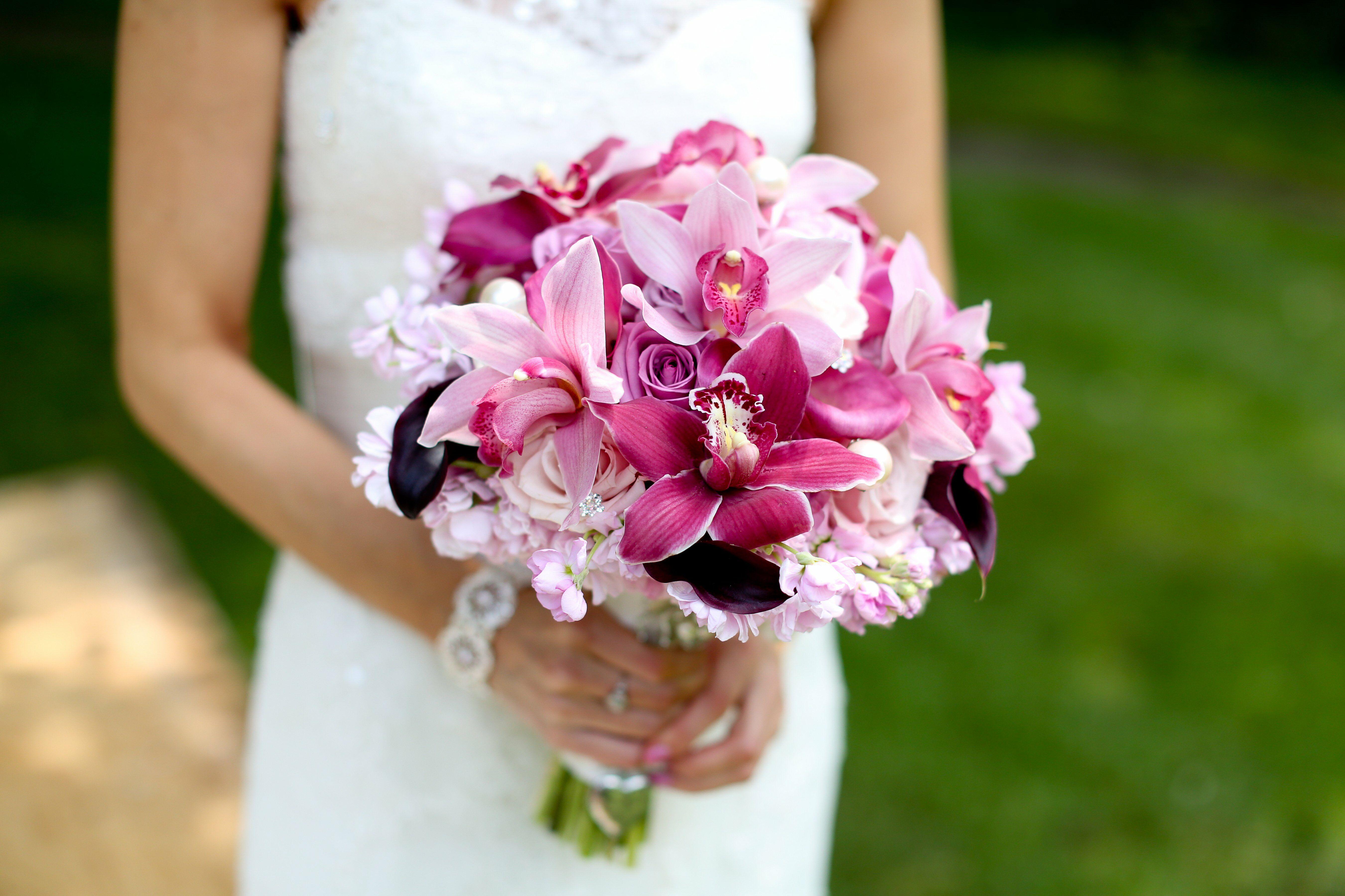 Свадебный букет орхидея и флор, пиафлором