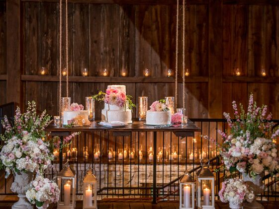 Fresh Flower Wedding Cakes On Hanging Cake Stand