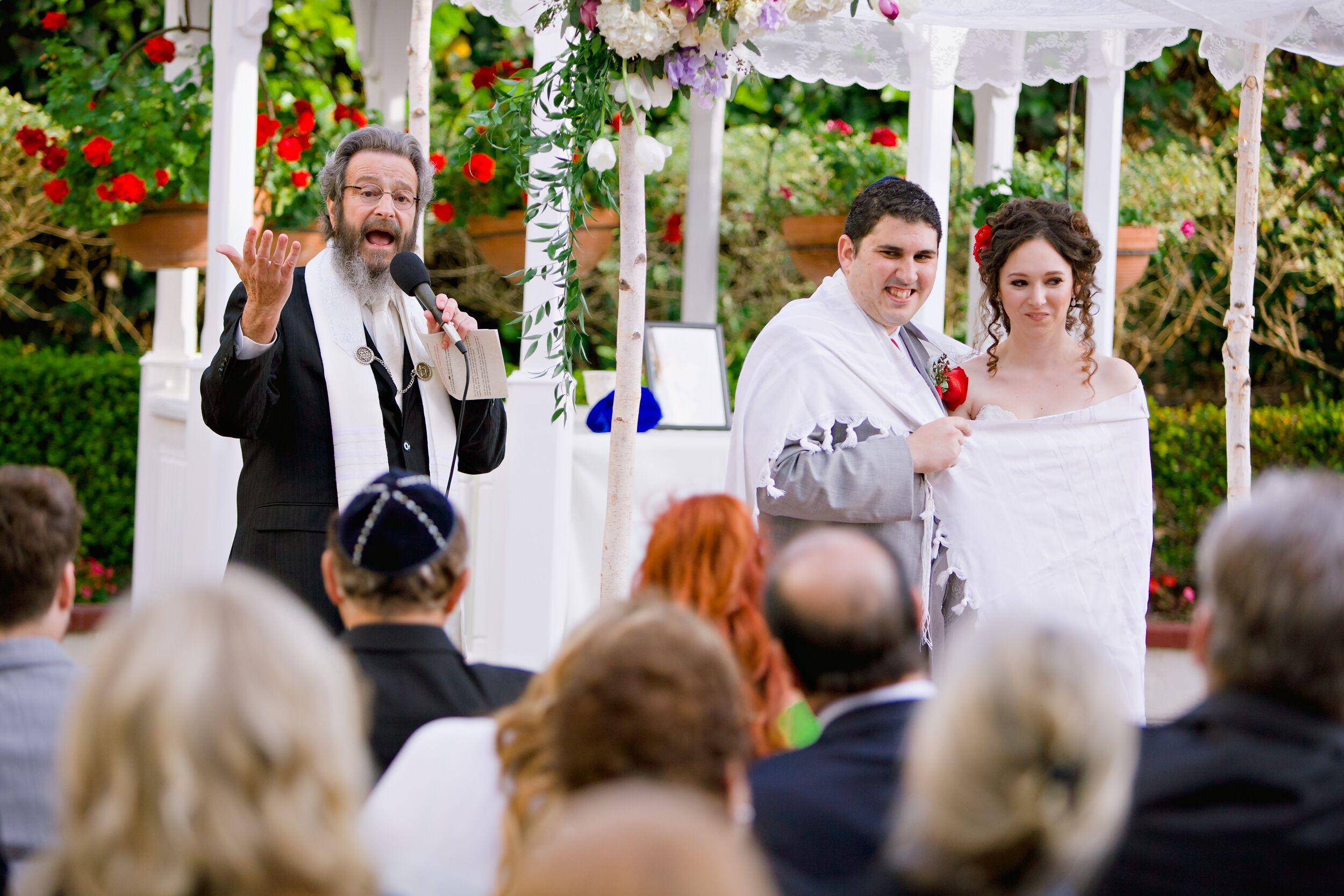 Traditional Jewish Wedding Ceremony at Hotel Laguna