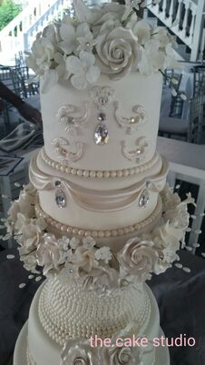 affordable wedding cakes orlando wedding cakes desserts in orlando fl the knot 10583