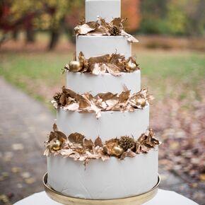 Fall wedding cakes autumnal gold leaf wedding cake junglespirit Choice Image