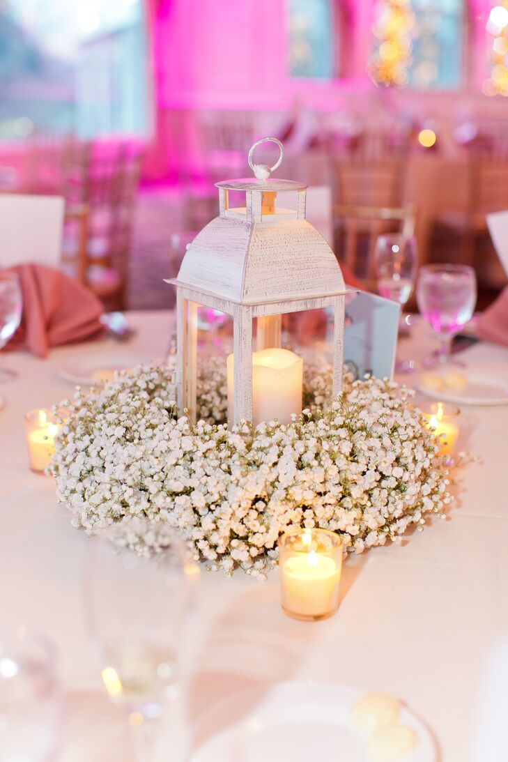 Baby\'s Breath Wreath Centerpiece with Lantern and Candles