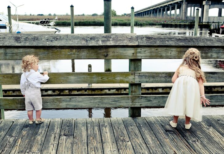 A Beachy Waterfront Wedding At Skipper S Fish Camp In