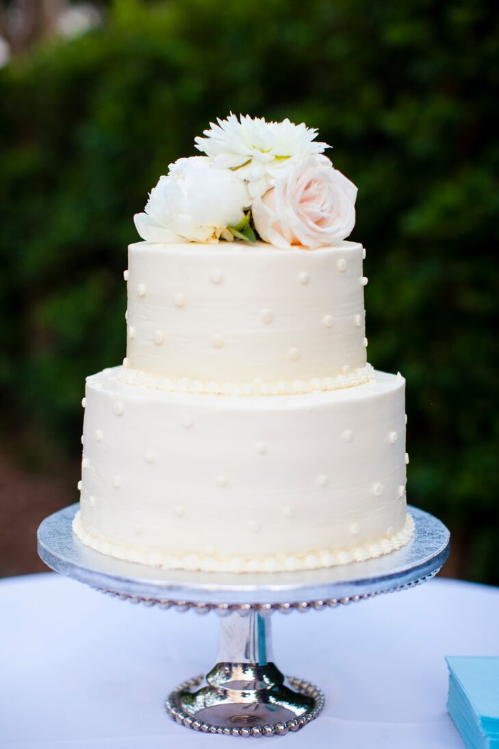 two tiered wedding cake ideas two tier polka dot buttercream wedding cake 21339