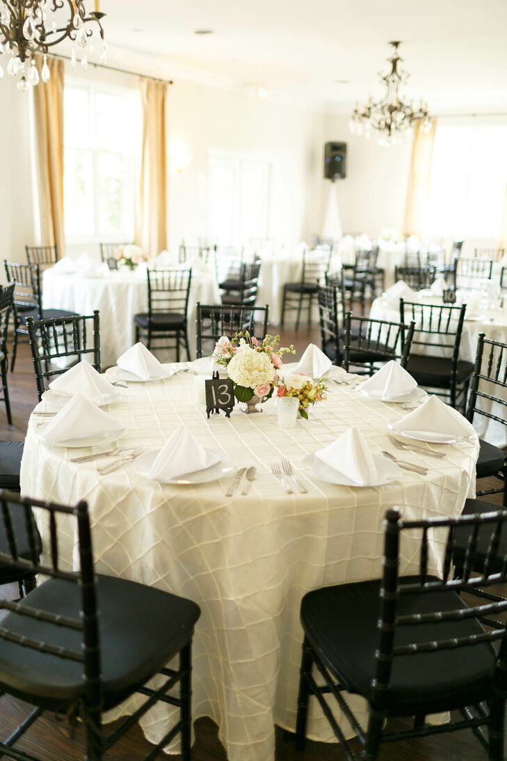 Reception with Ivory Linens and Black Chiavari Chairs