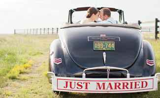 wedding car/ Kaitie Bryant Photography / The Knot blog