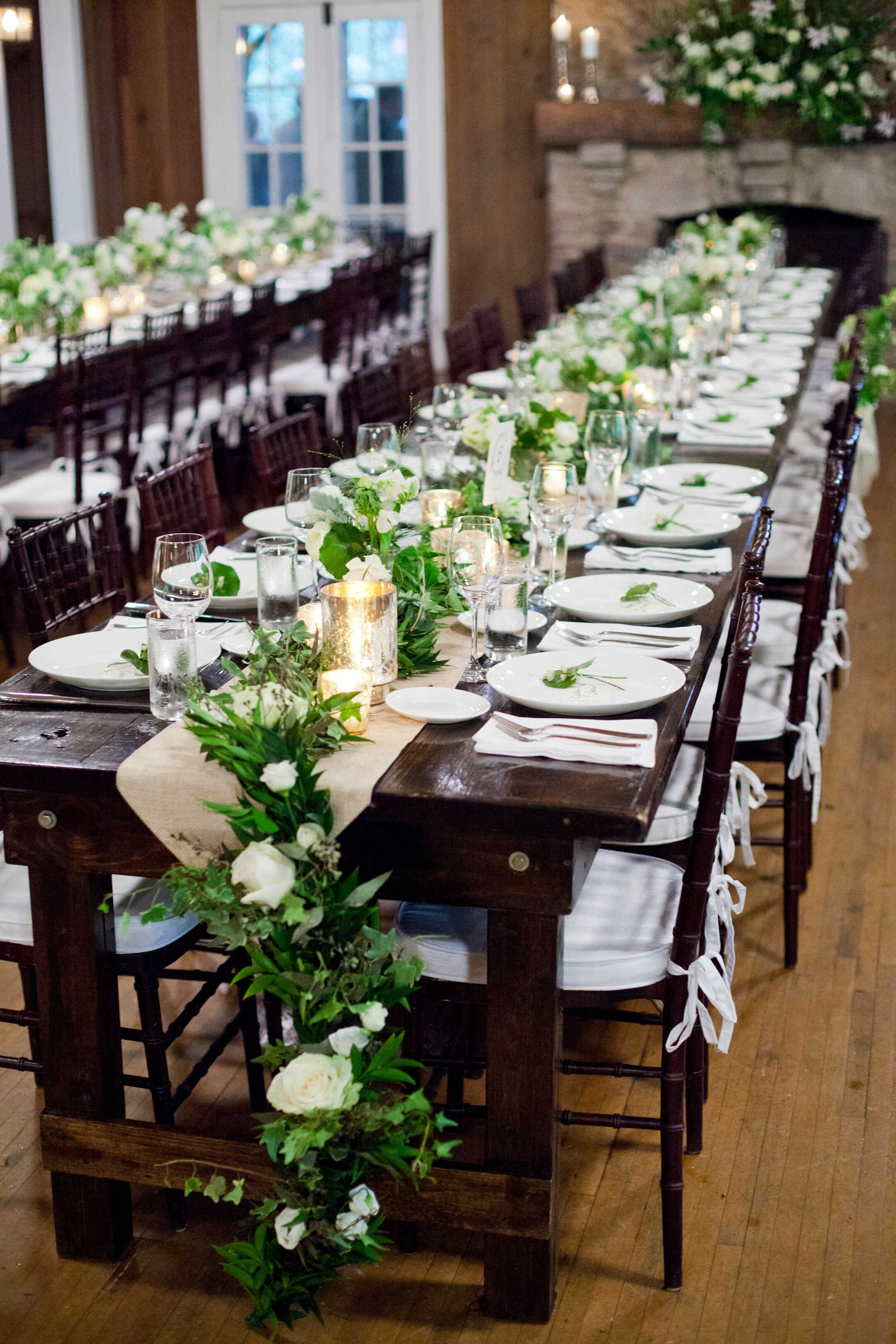 Natural Green Garland-Decorated Wedding Tablescape