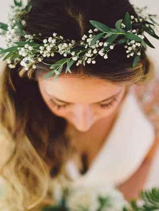 Simple flower crown with Baby's Breath