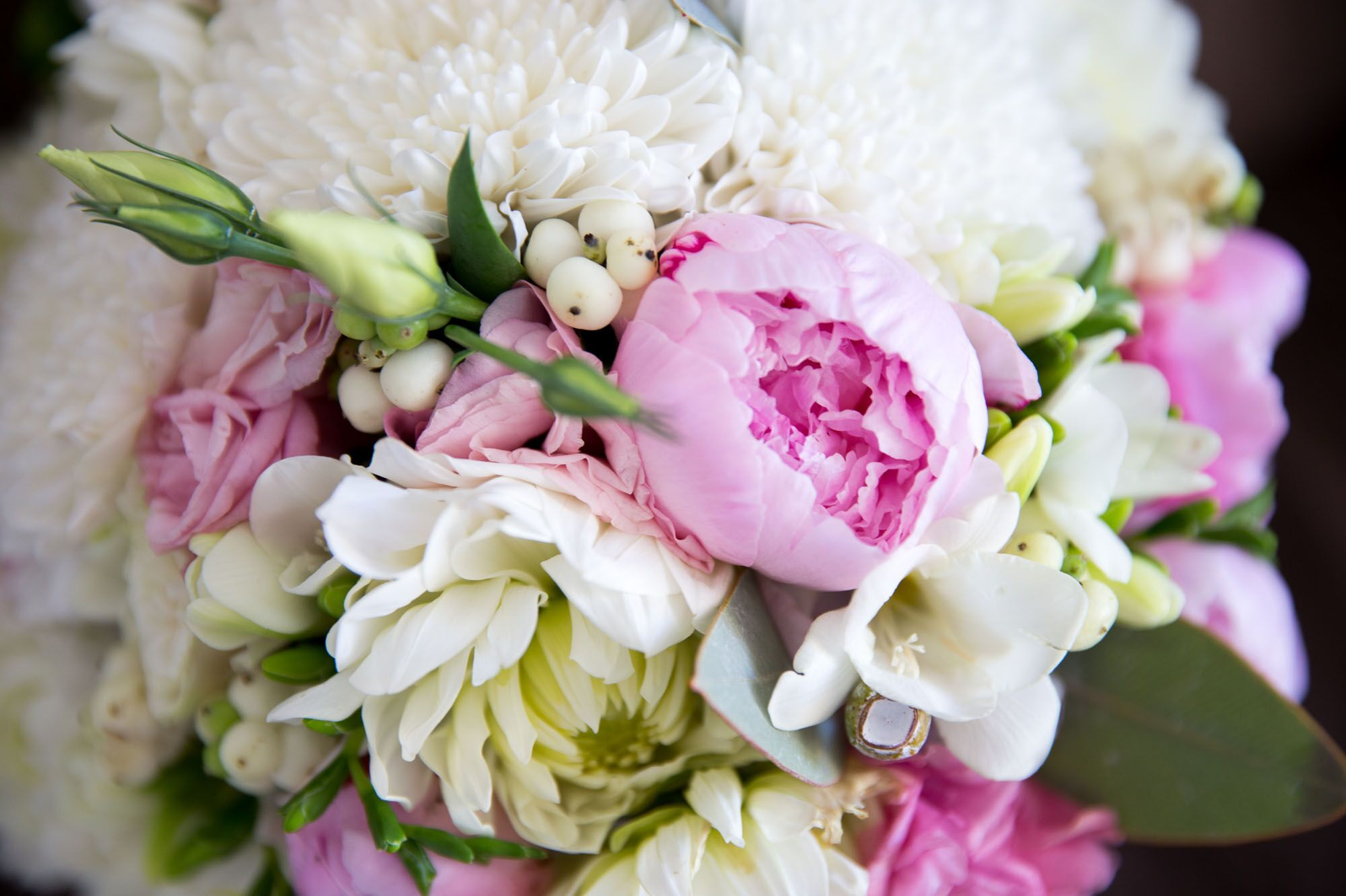 Bouquet with Pink Peonies and Ivory Mums