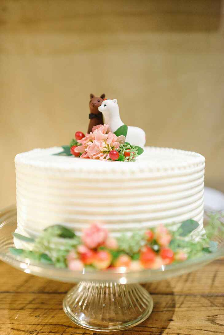 7 Animal Toppers That Trump Traditional Wedding Cake Figurines