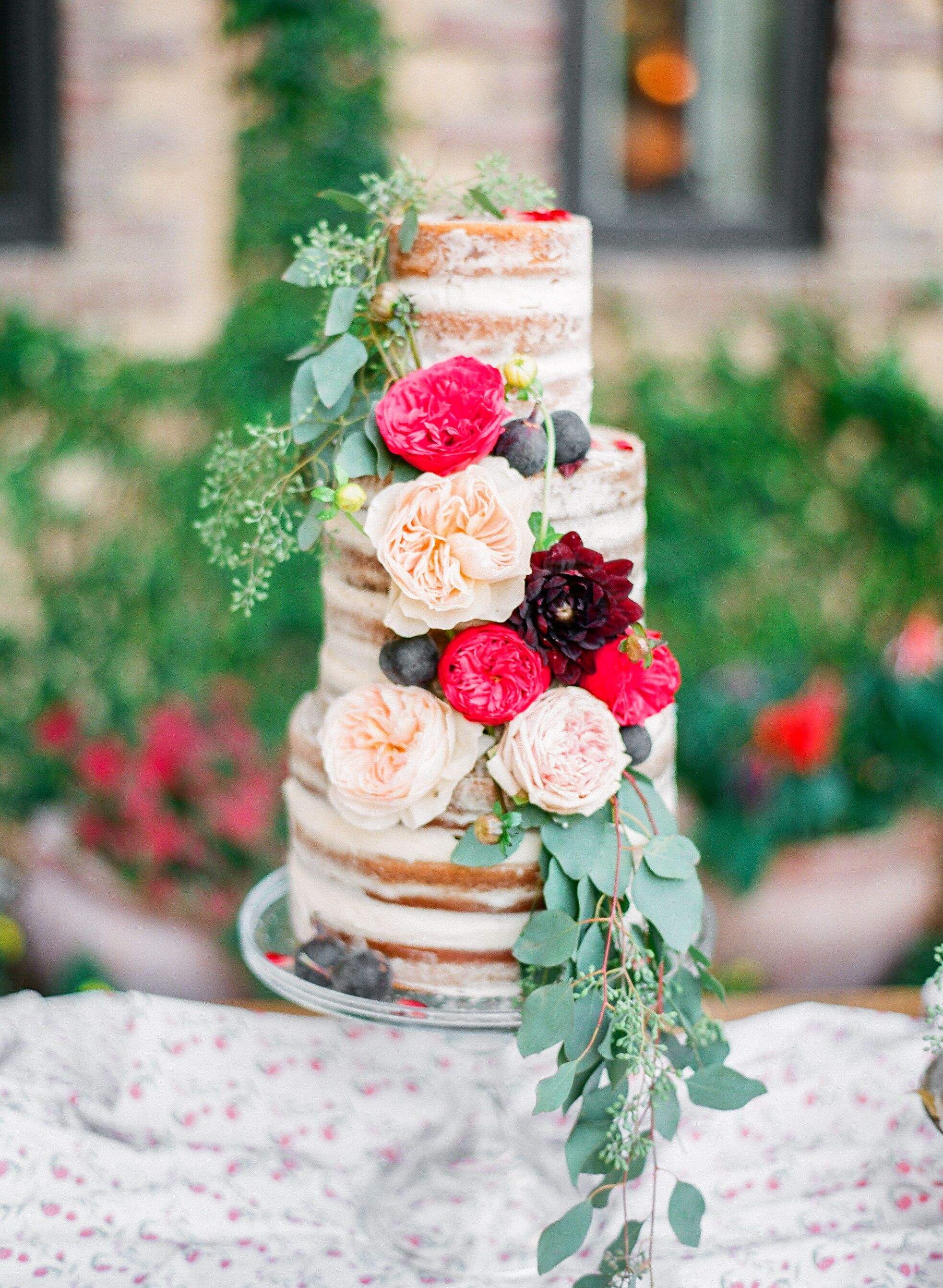 pink rose garden wedding cake garden and dahlia wedding cake 18583