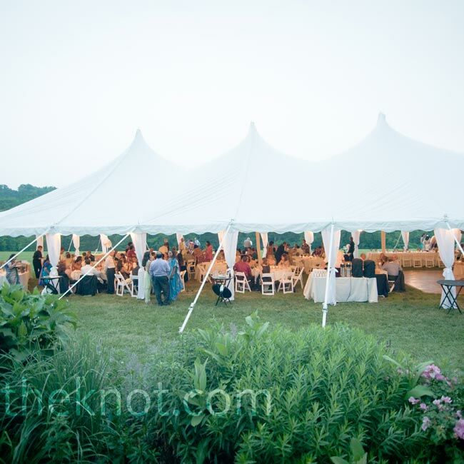 Outdoor Wedding Venues In Ohio: A Rustic Outdoor Wedding In Cincinnati, OH