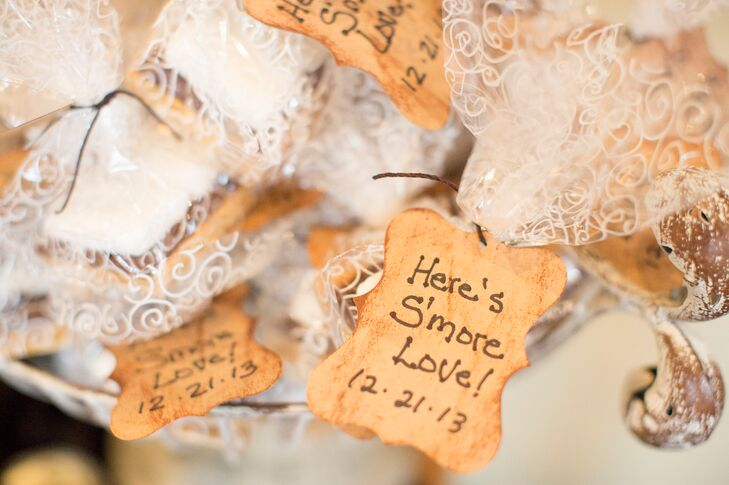 Smores Winter Wedding Favors In Glass Vase
