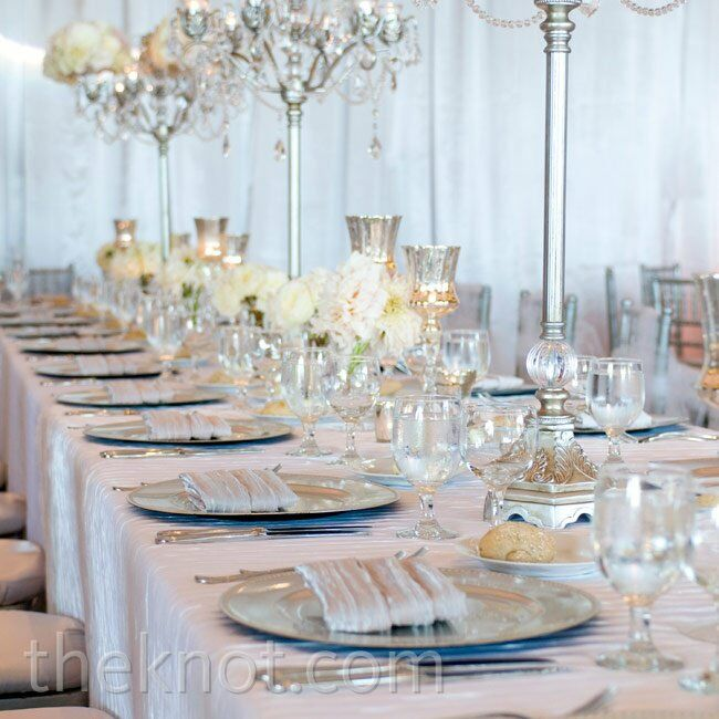 Chic reception centerpieces - Deco table noel argent et blanc ...