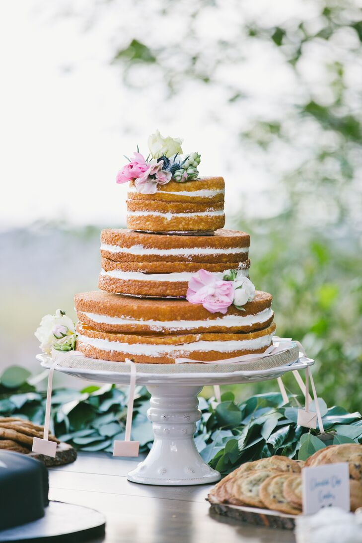 ketchie creek wedding cakes a rustic waterfront wedding at madden creek estate in 16631