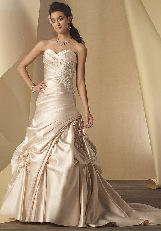 Alfred Angelo Signature 2453/2453A Wedding Dress photo