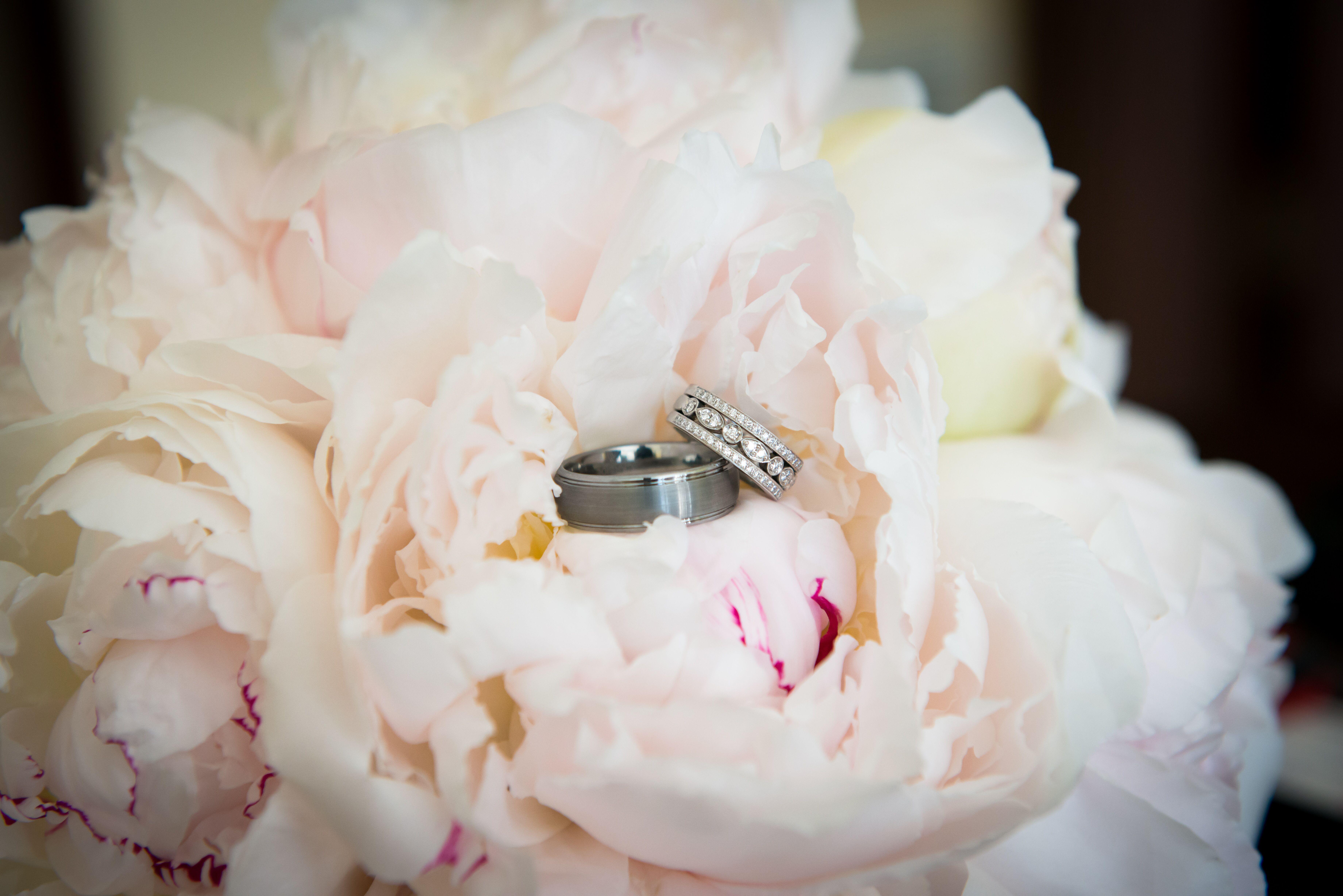 Dorable Mini Champagne Wedding Favors Sketch - The Wedding Ideas ...
