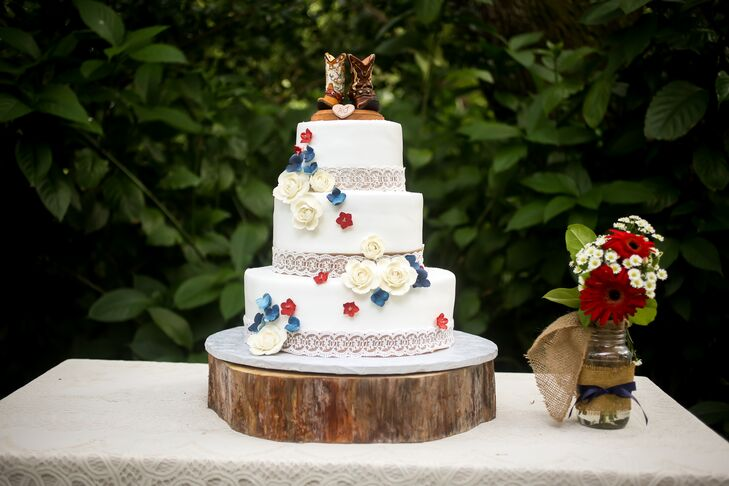 Red white and blue flower wedding cake junglespirit Gallery