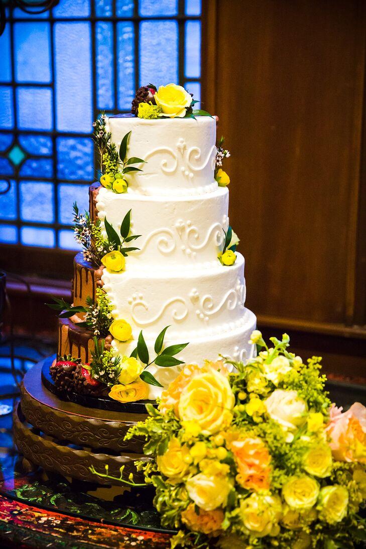 Half-Chocolate, Half-Vanilla Wedding Cake