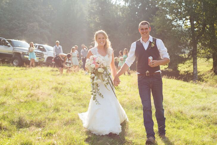 Couple S Wedding Ceremony And Reception Held At The Beach: Backyard Ceremony And Reception