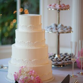 Real Classic Wedding Cakes