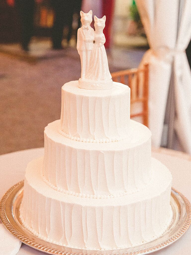 Unique Porcelin Fox Wedding Cake Topper Idea