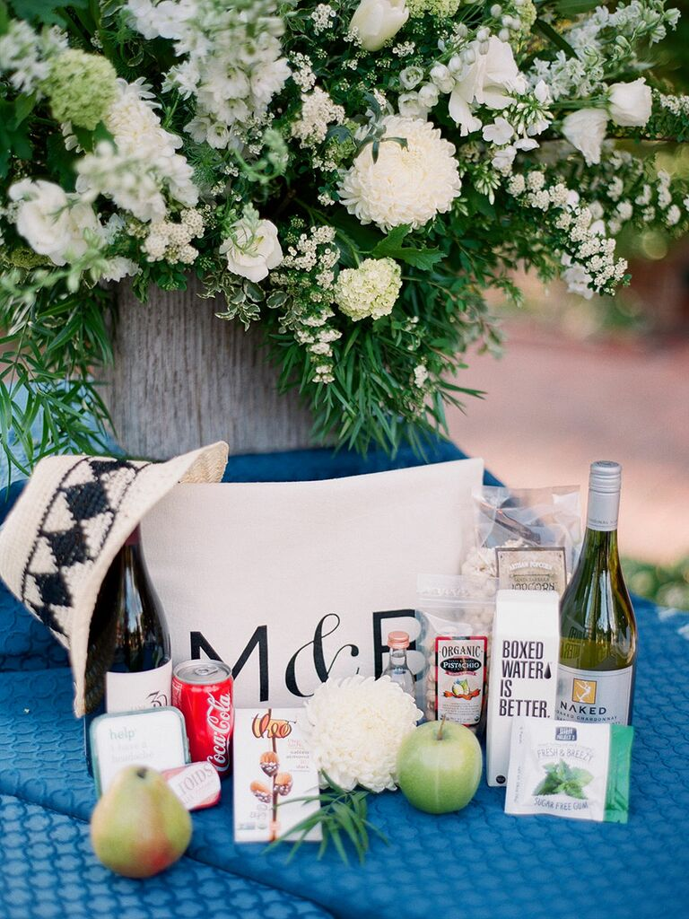 Your wedding bags for a grand getaway today s destination wedding - The Gift Lounge Gifting Lounge Photo By Michelle Beller Photography This Deconstructed Welcome Bag Is Perfect For Destination Weddings