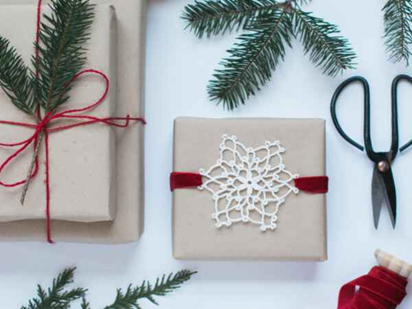 DIY minimal holiday wrapping paper for your gifts this season.