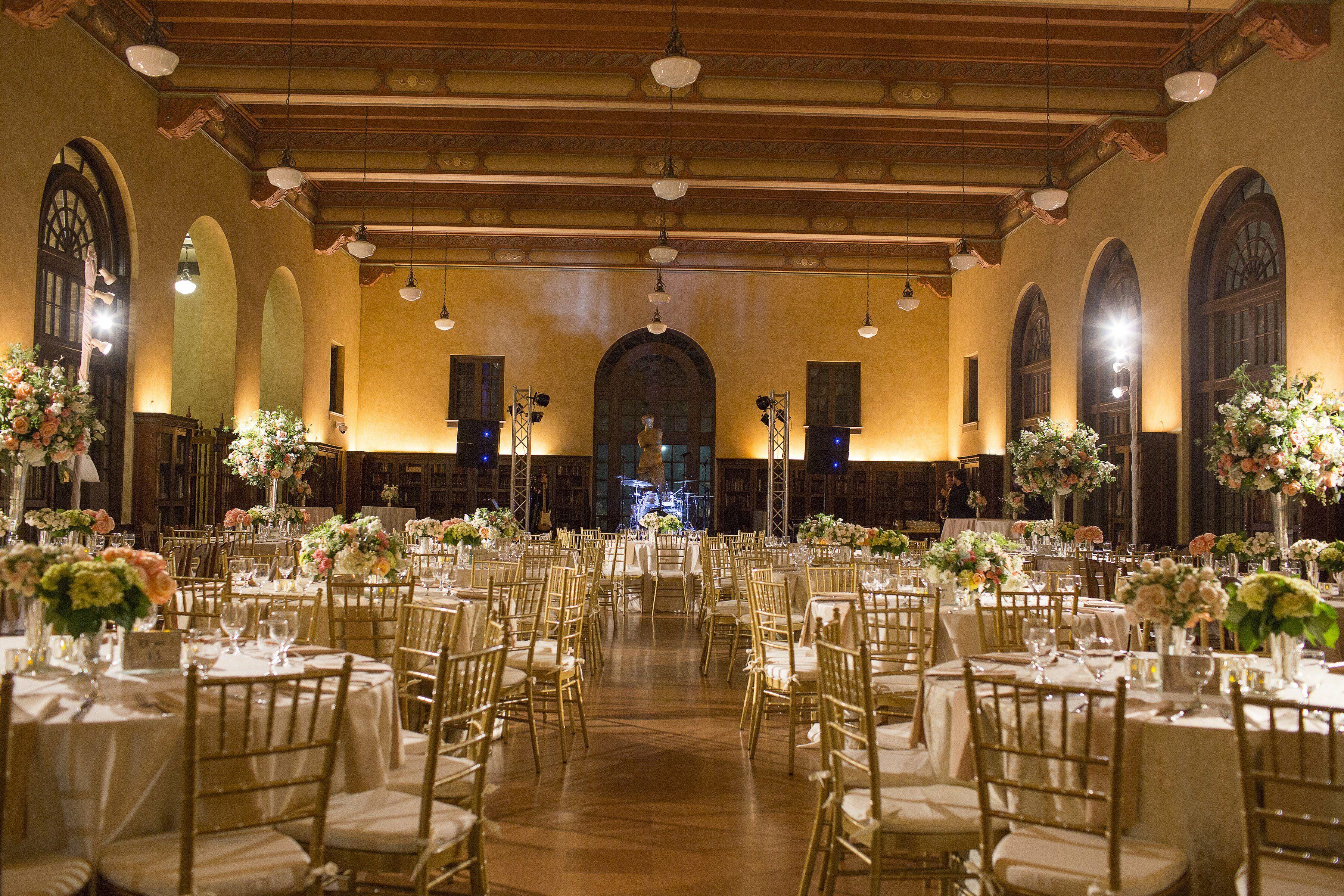 a julia ideson library wedding in houston texas 273a1cfc efc2 1b04 6ede 66eac0e16922~rs 729