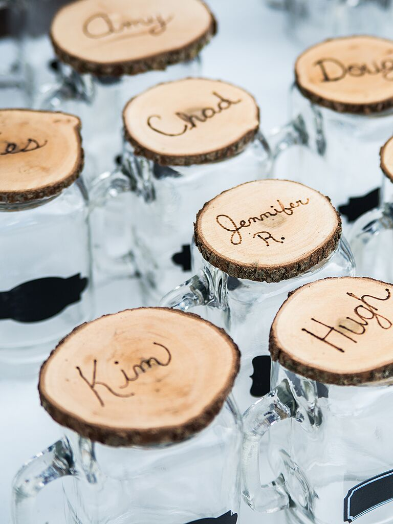 20 diy wedding favors for any budget diy cocktail glass wedding favors solutioingenieria Image collections