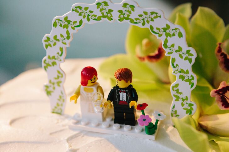 Bride and Groom Lego Wedding Cake Topper