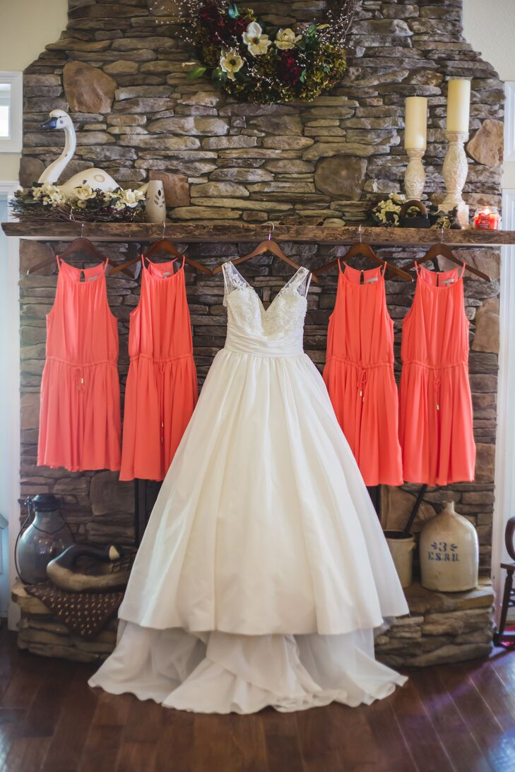 A line white wedding dress with pockets for A line wedding dress with pockets