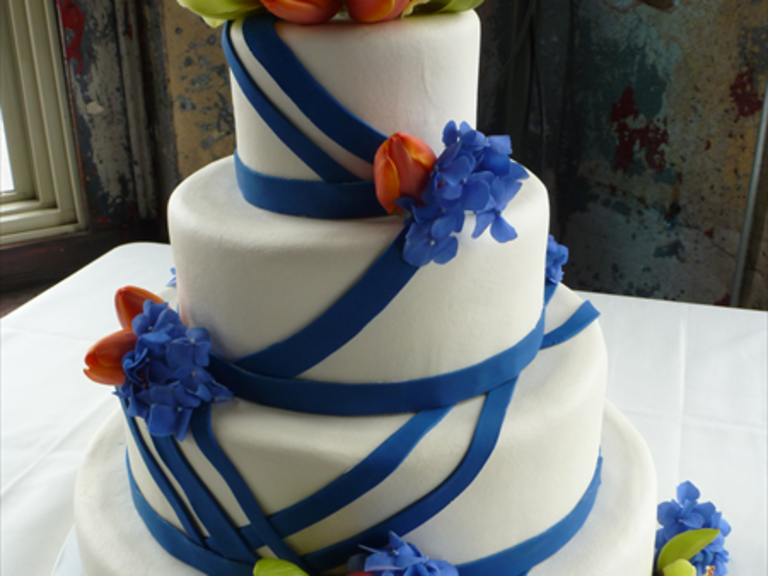Wedding Cakes in Topeka