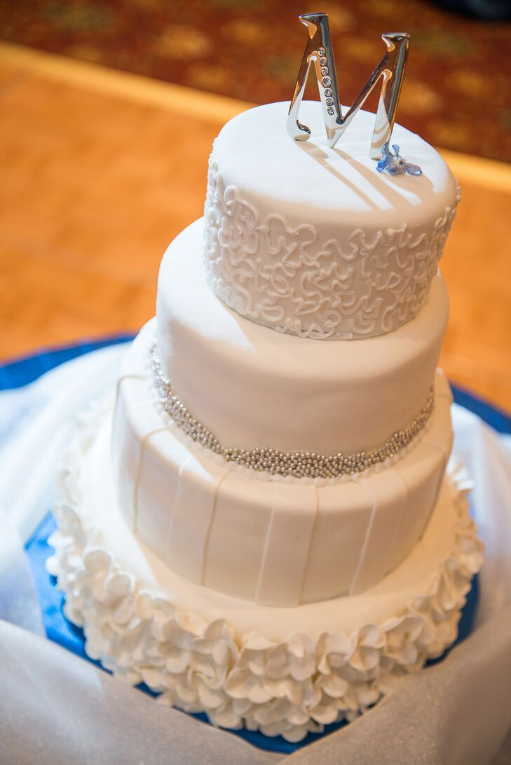 wedding cake st charles mo a classic winter wedding at the st charles convention 25692