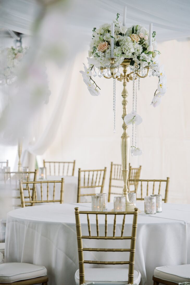 Gold And White Tablescapes
