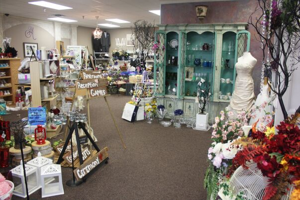 Bridal salons in minneapolis mn the knot for Wedding dress resale st louis