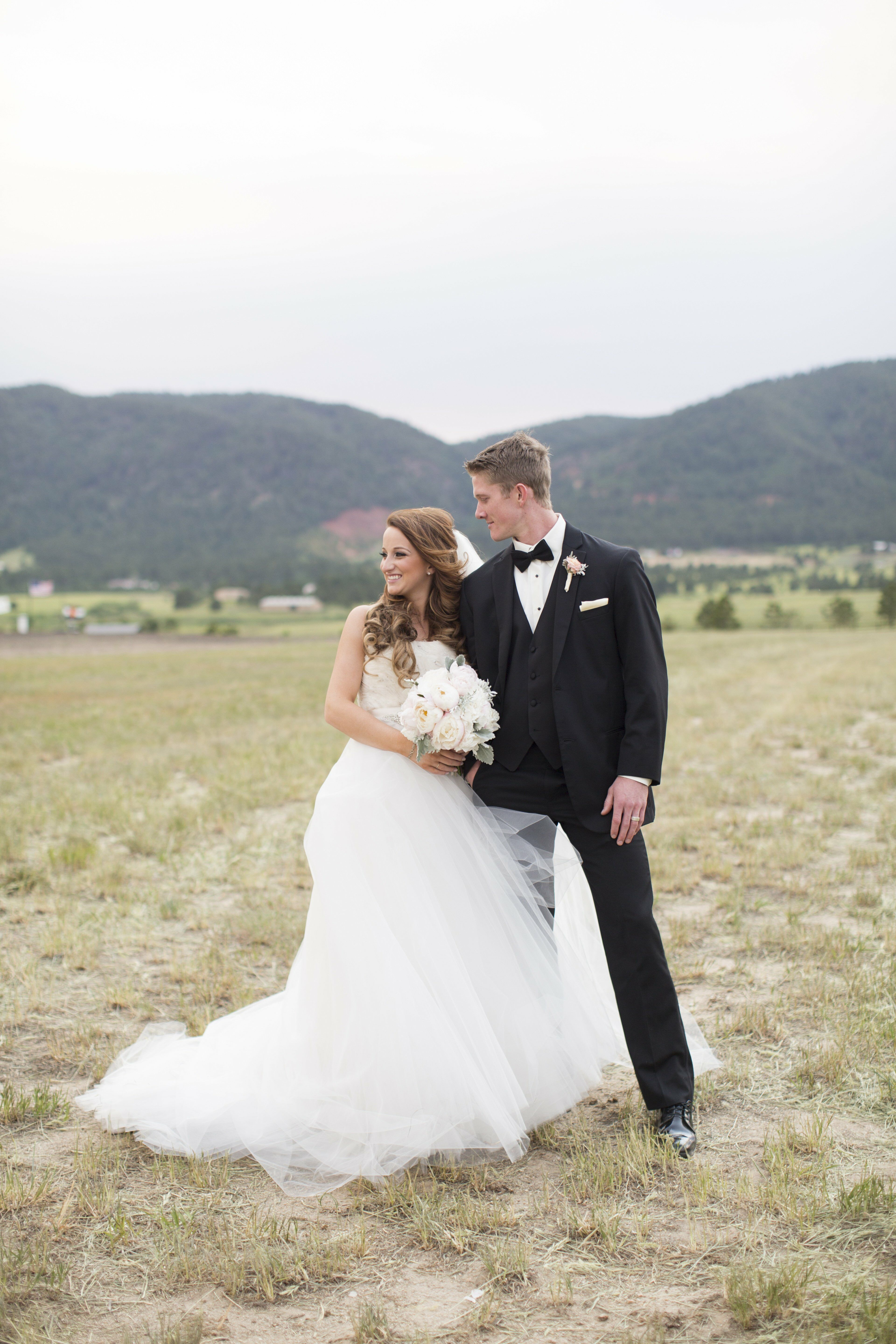 A Romantic Ranch Wedding at Spruce Mountain Guest Ranch in ...