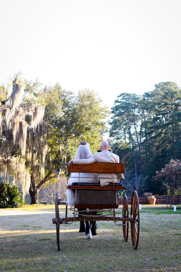 A romantic southern inspired wedding at the pebble hill for Wedding dresses thomasville ga