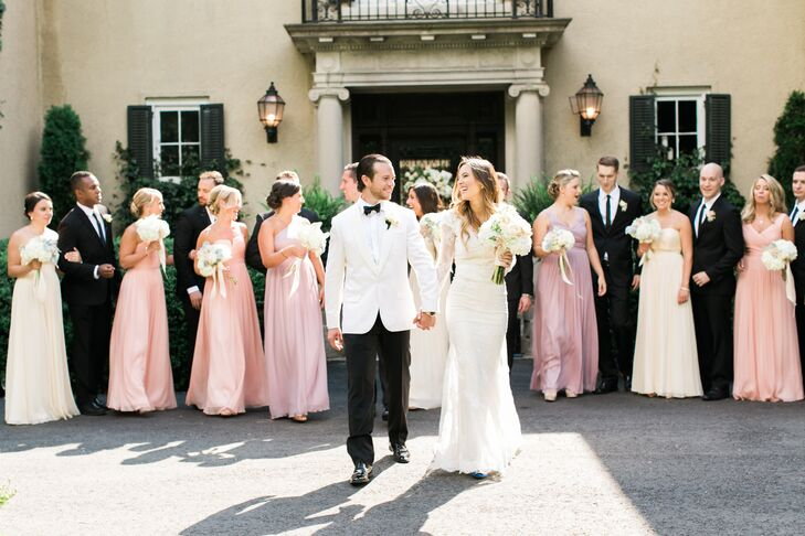 For their midsummer wedding, Christina DeFilippo (29 and owner of the blog Oh So Glam) and Raja Tarabishy (31 and an entrepreneur) planned a vintage,