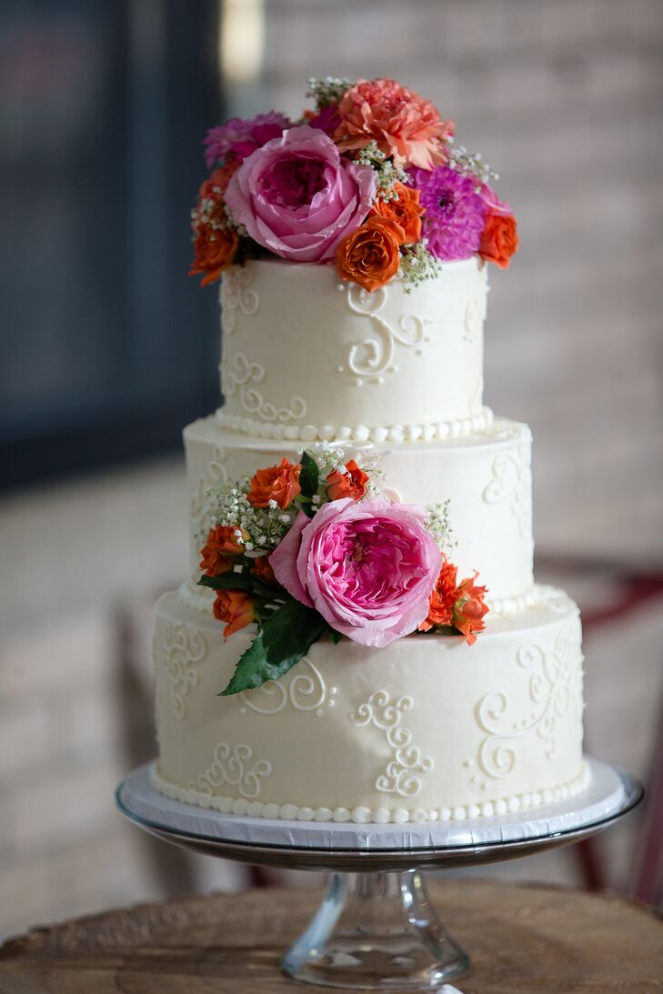 wedding cake bakers michigan a traditional wedding at baker lofts in michigan 21911